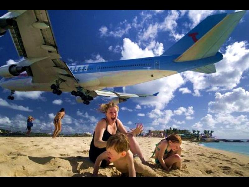 /ВИДЕО/ Едно доста щуро и забавно приключение на остров Сейнт Мартин - картинка 1
