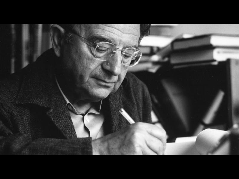 Любовта и смисълът на живота в 10 мисли на Ерих Фром