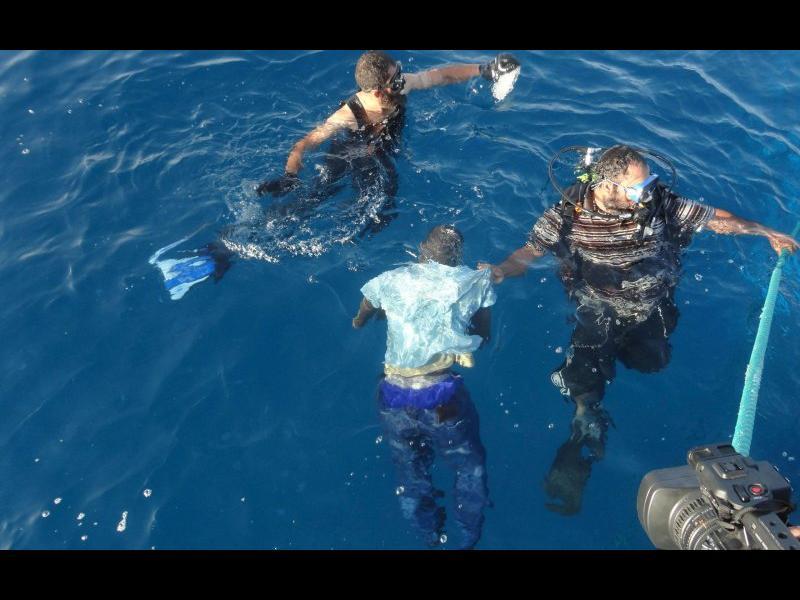 (СНИМКИ+ВИДЕО) Над 700 мигранти са се удавили в Средиземно море през последните няколко дни при опит да стигнат до Европа - картинка 2