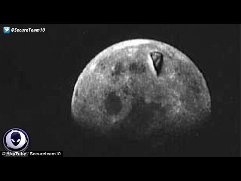 """/ВИДЕО/ """"Аполо 8"""" заснема извънземни на Луната?"""
