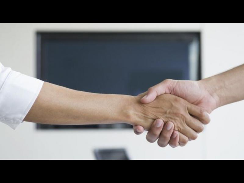 В Швейцария: Учениците мюсюлмани ще трябва да подават ръка на учителките си - картинка 1