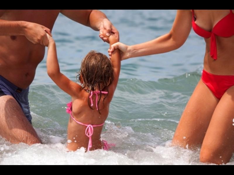 Децата до 3 години не трябва да ходят на море