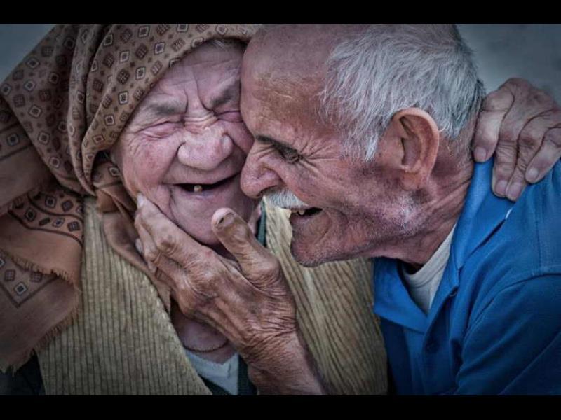 Щастливите ни баби и дядовци - картинка 1