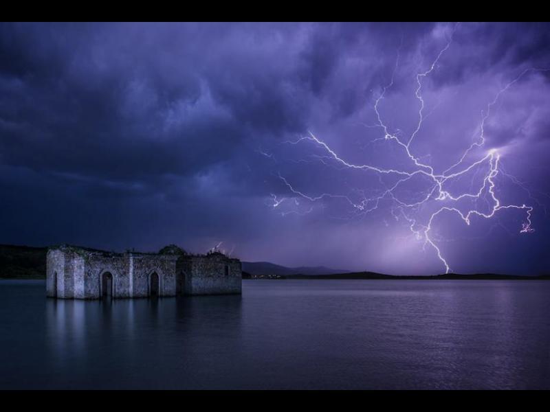/СНИМКИ/ Потопените църкви - картинка 1