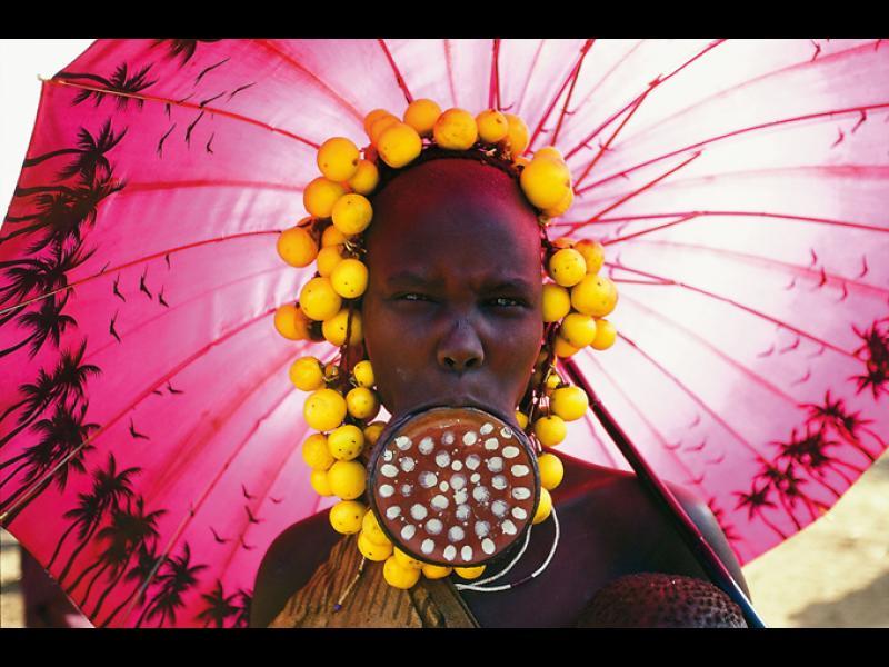 /СНИМКИ/ Красавиците от племето Мурси - картинка 1