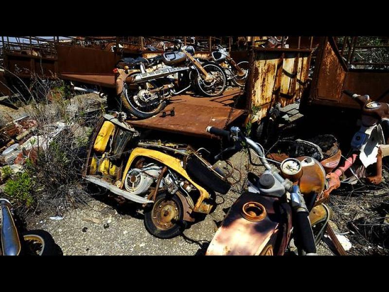 Кипър: Изоставени преди 42 години коли търсят собствениците си - картинка 5
