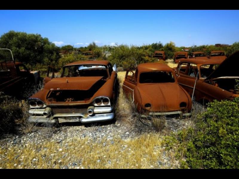 Кипър: Изоставени преди 42 години коли търсят собствениците си - картинка 1