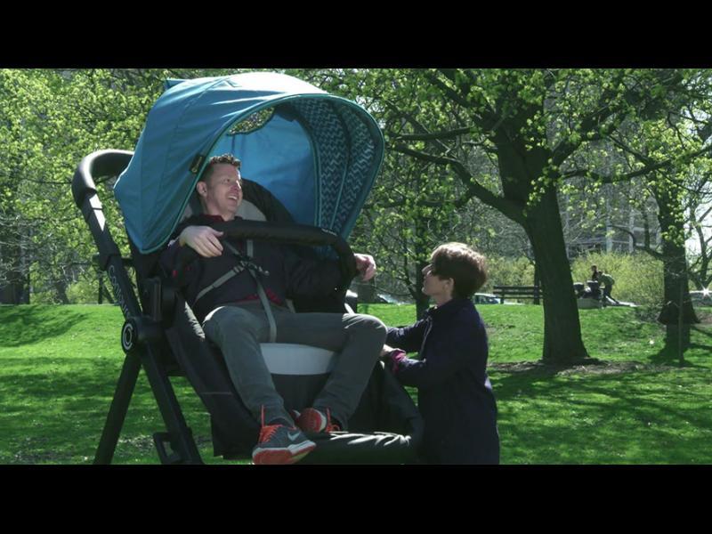 /СНИМКИ/ Бебешка количка за възрастни - картинка 1