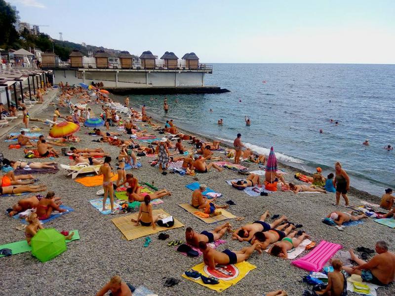 Рекорден отлив на руски туристи от Крим - картинка 1