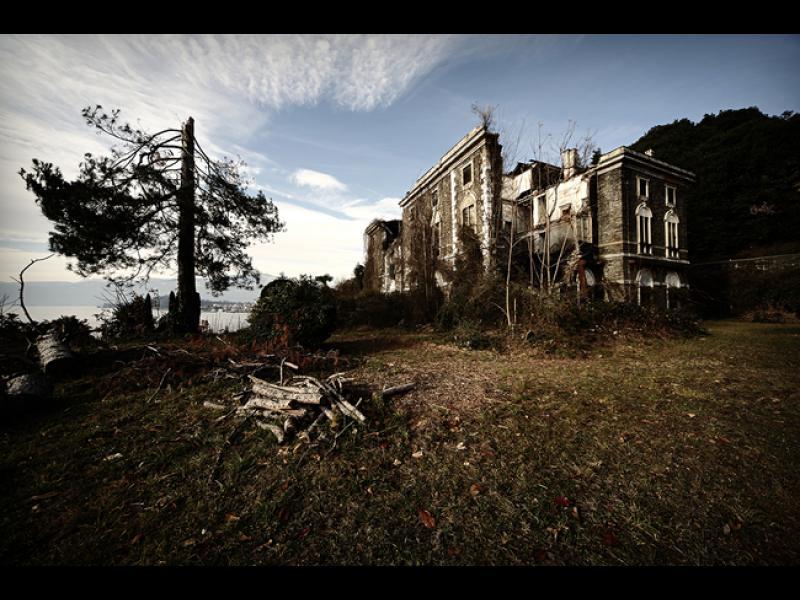 /СНИМКИ/ Изоставени и зловещи имения в Италия