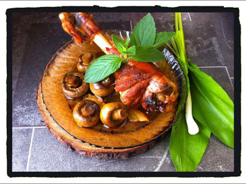 Домашна кухня: Ароматно печено агнешко с манатарки и печурки - картинка 1