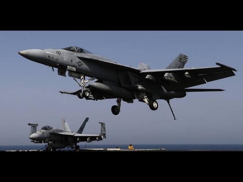 Два бойни самолета F-18 се сблъскаха над САЩ - картинка 1