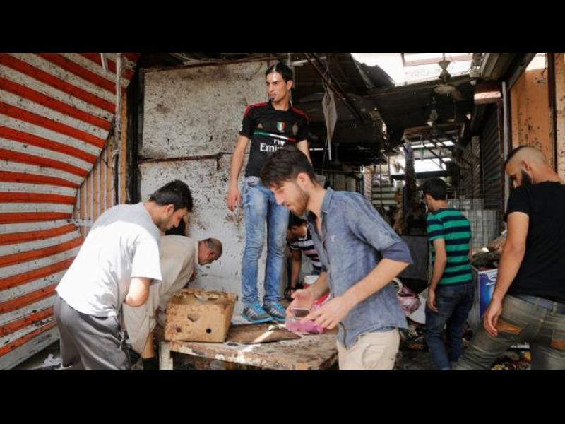 63 човека загинаха в серия атентати в Багдад - картинка 1