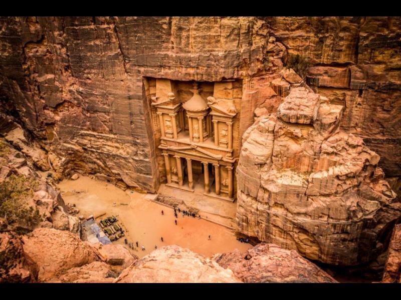 /СНИМКИ/ Петра - древният град, издълбан в скалите - картинка 1