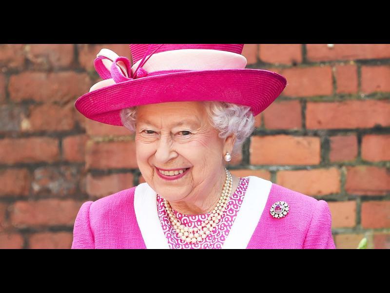 /ВИДЕО/ Кралицата изкритикува висши китайски служители - картинка 1