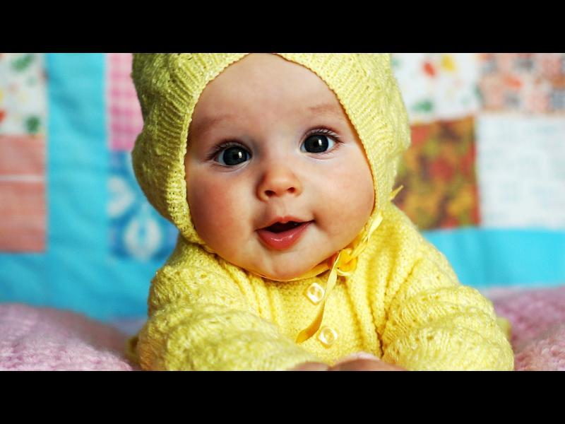Как се развива бебешката усмивка?