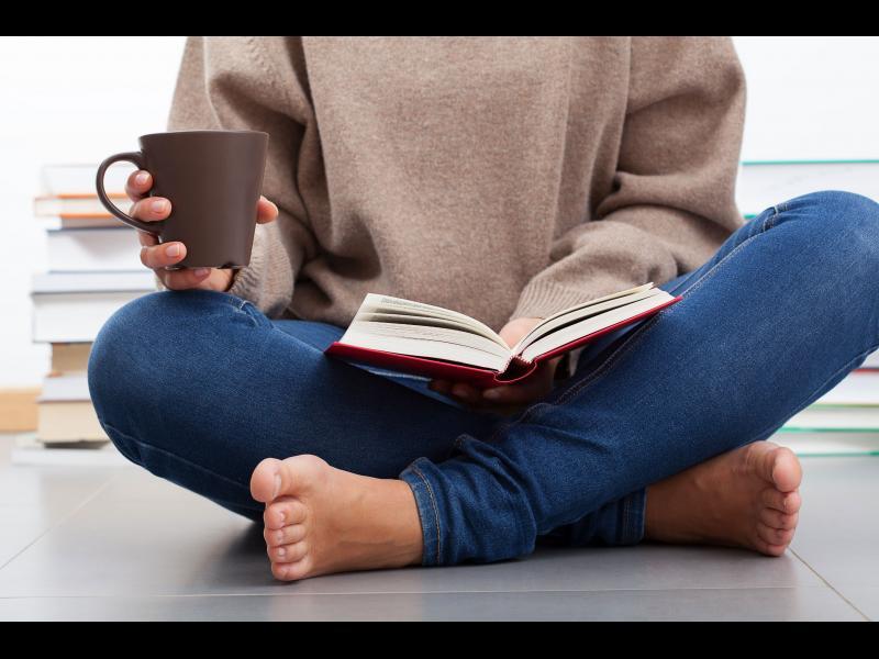 10 книги, перфектни за събота и неделя у дома