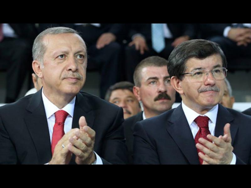 Давутоглу обмисля подаването на оставка. Турция готова да изпрати армия в Сирия - картинка 1