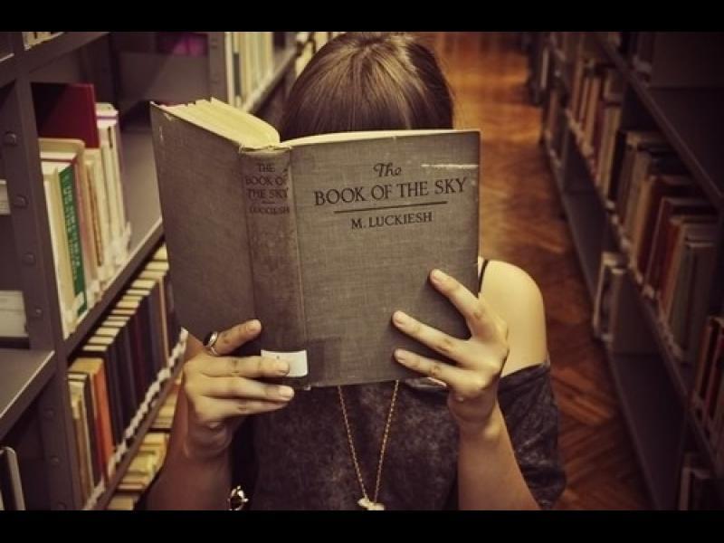 /СНИМКИ/ Нужни ли са ти причини, за да четеш книги?