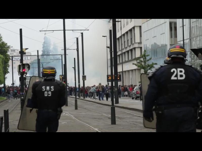 155 хиляди демонстранти и 77 ареста в рамките на протестите във Франция - картинка 1