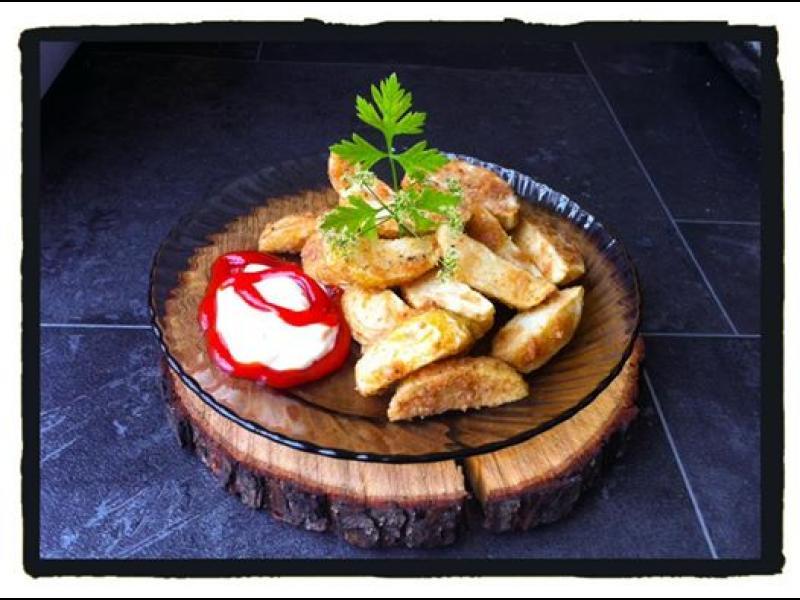 Домашна кухня: Хрупкави пържени картофки с кожички