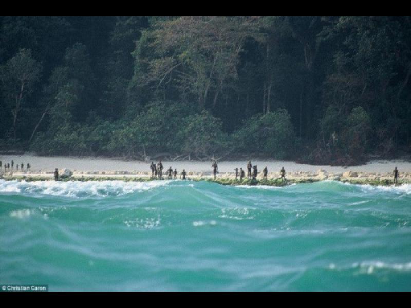 Хората на този остров убиват всеки, който приближи - картинка 2