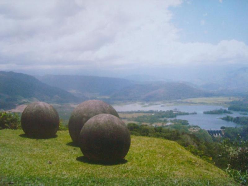 Мистичните каменни топки в Коста Рика