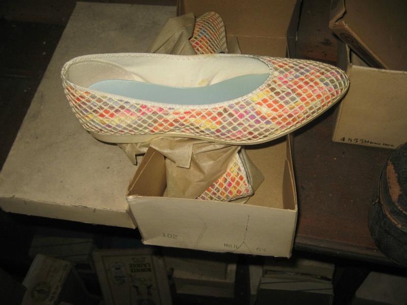 /СНИМКИ/ Музей за обувки, недокоснат повече от 40 години - картинка 4