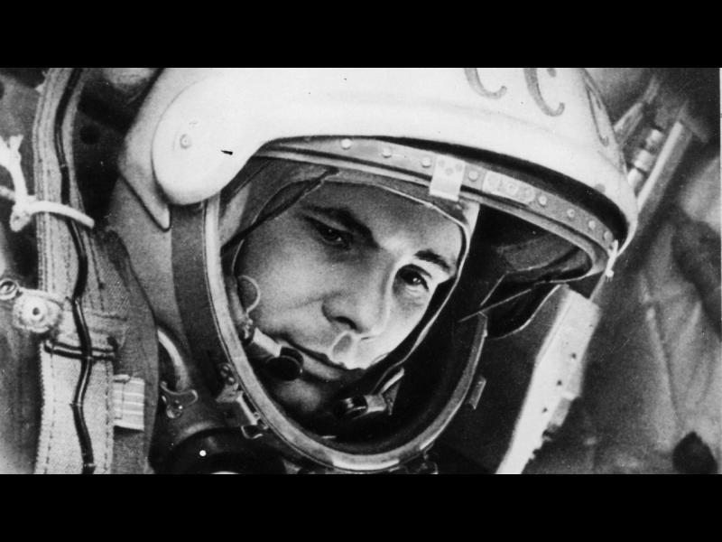 Какво крият властите за смъртта на Гагарин?