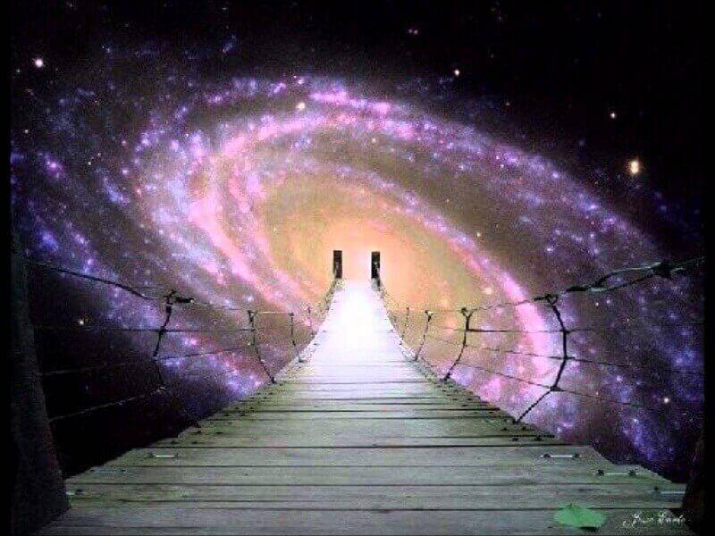 Черните дупки са вход към друга вселена, потвърди Хокинг