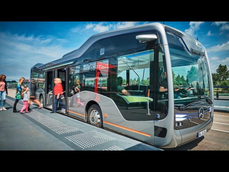 Mercedes демонстрира първият безпилотен автобус