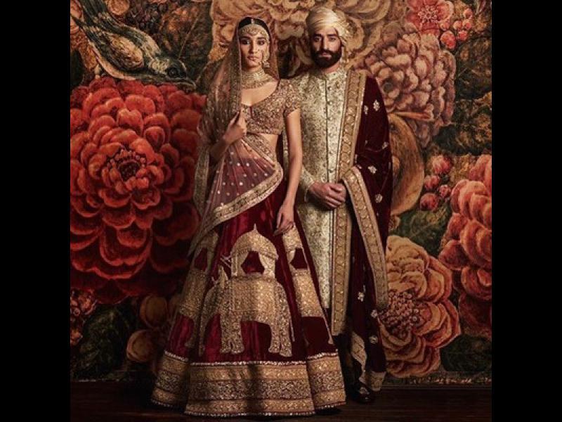 /СНИМКИ/ Традиционните сватбени одежди по света