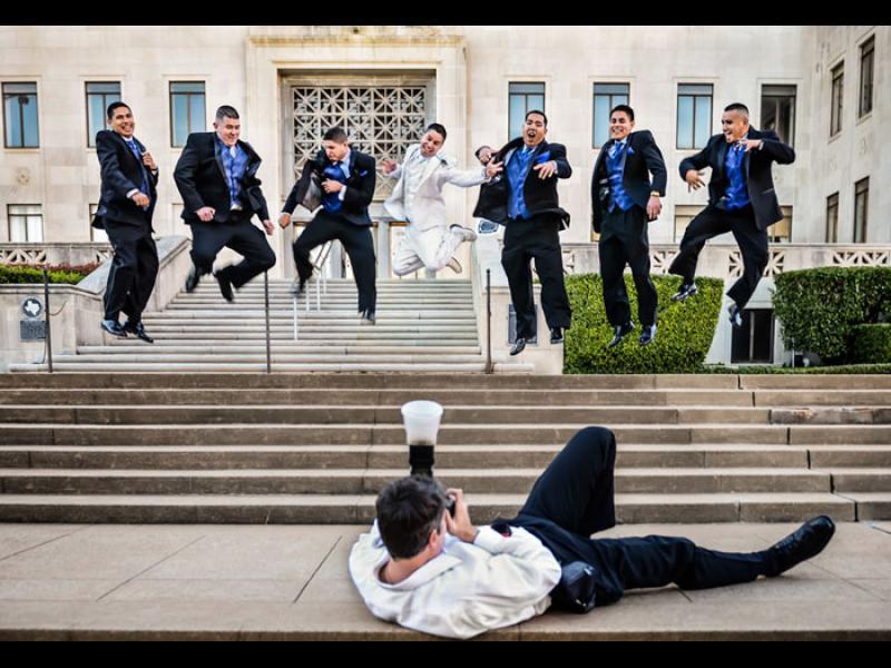 /СНИМКИ/ Има ли нещо по-откачено от сватбеният фотограф?