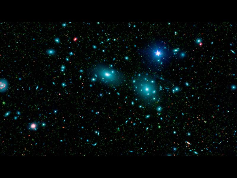 Учените откриха галактика, състояща се от 99,99% тъмна материя