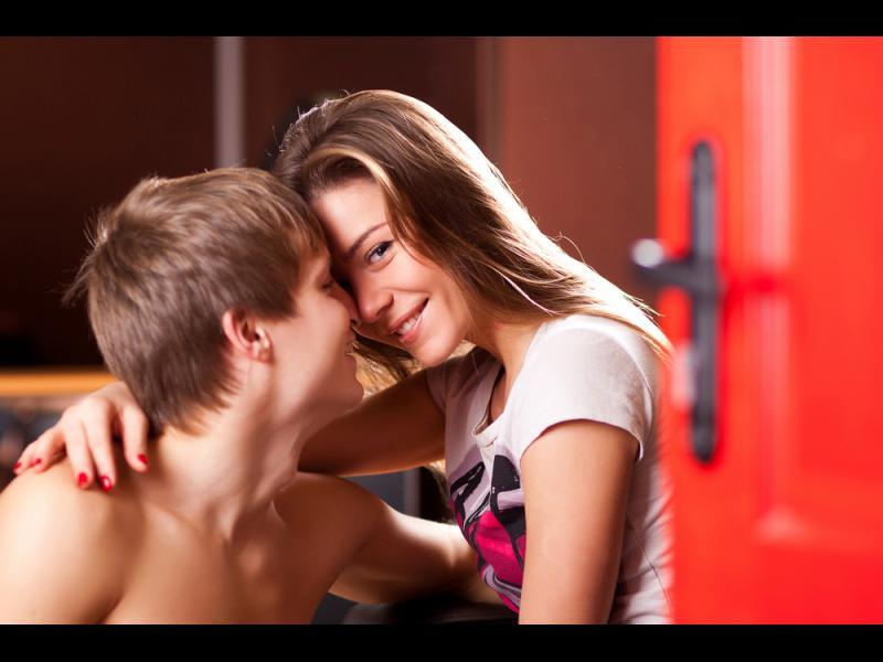Защо днешните млади правят по-малко секс?