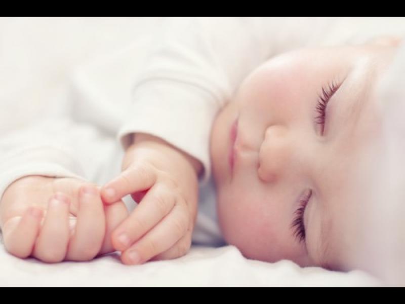 Как да помогнем на бебчо да се адаптира към нова часова зона?
