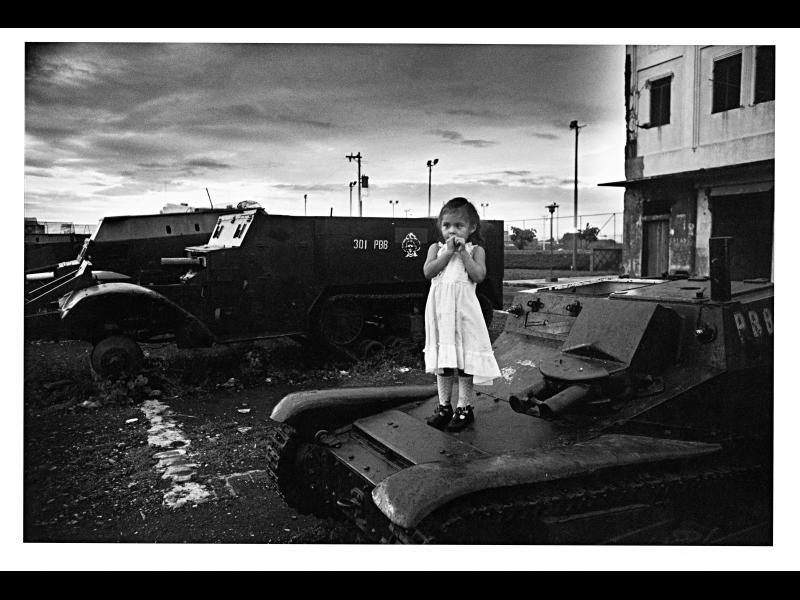Фотографката, която снима война