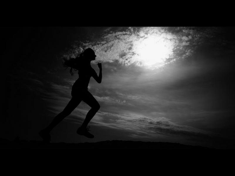 Защо тичаме толкова бавно в съня си?