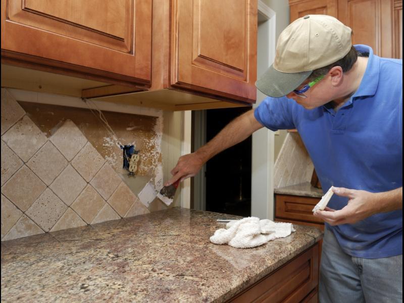 Съвети за домашни майстори: Как сами да лЕпим плочки?