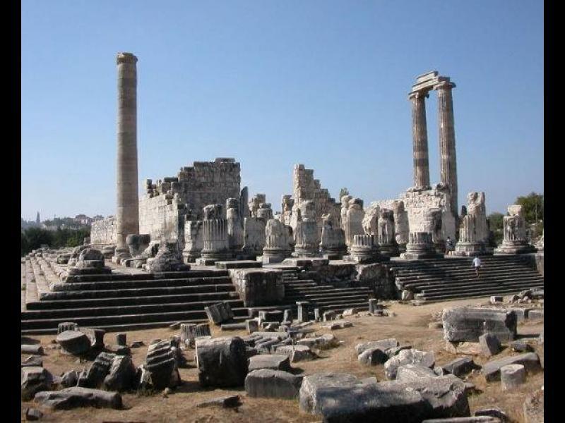 В Деня на строителите: Защо Херостат е по-известен от архитекта на подпаления от него храм?