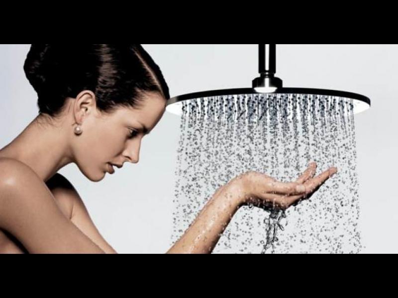 Защо трябва да си взимаме студени душове?