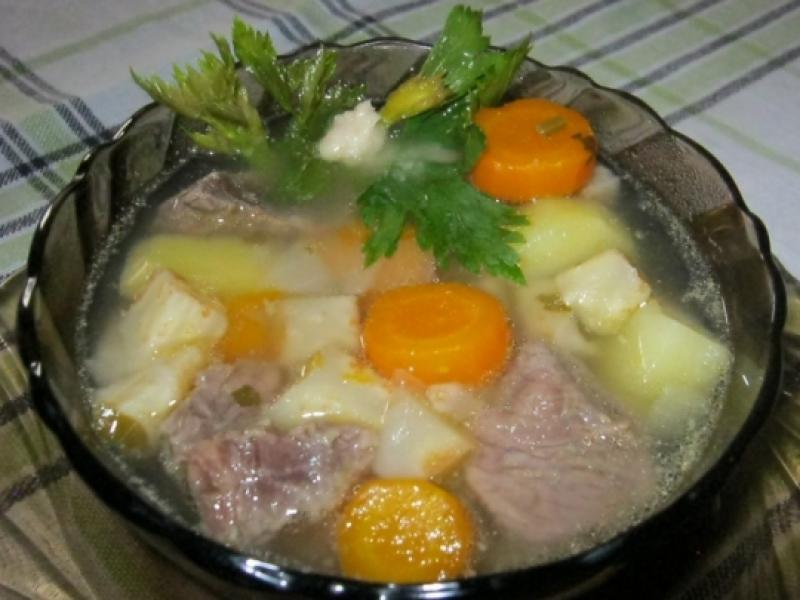 Манджите на баба: Телешко варено с моркови и картофи