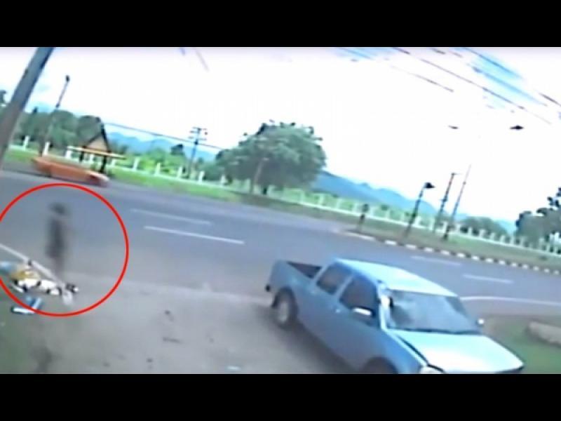Стряскащо видео показва как душата на мъртва мотористка напуска тялото ѝ /видео/