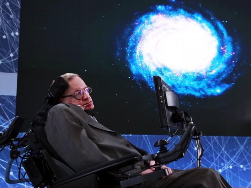 Стивън Хокинг: Човечеството може и да не оцелее през следващите 1000 г.