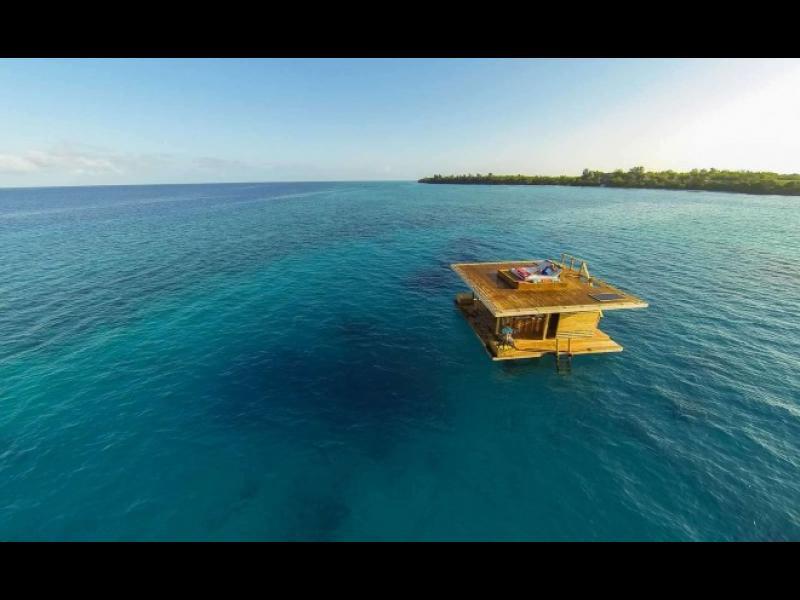 Това наистина е невероятно! Хотелска стая под водата!