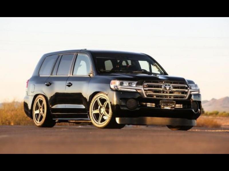 """2000 """"коня"""" и 345 км/ч: запознайте се с Toyota Land Speed Cruiser"""