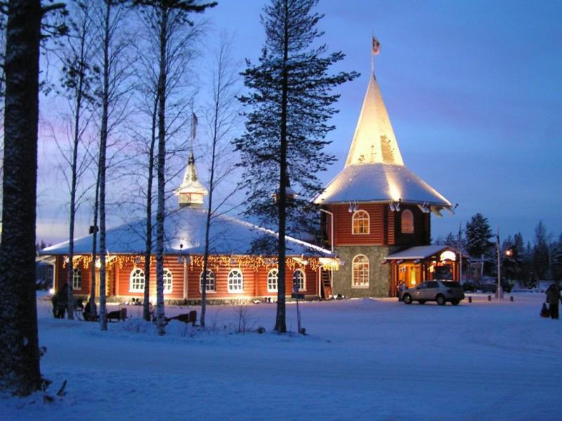 Колко струва къщата на Дядо Коледа на Северния полюс