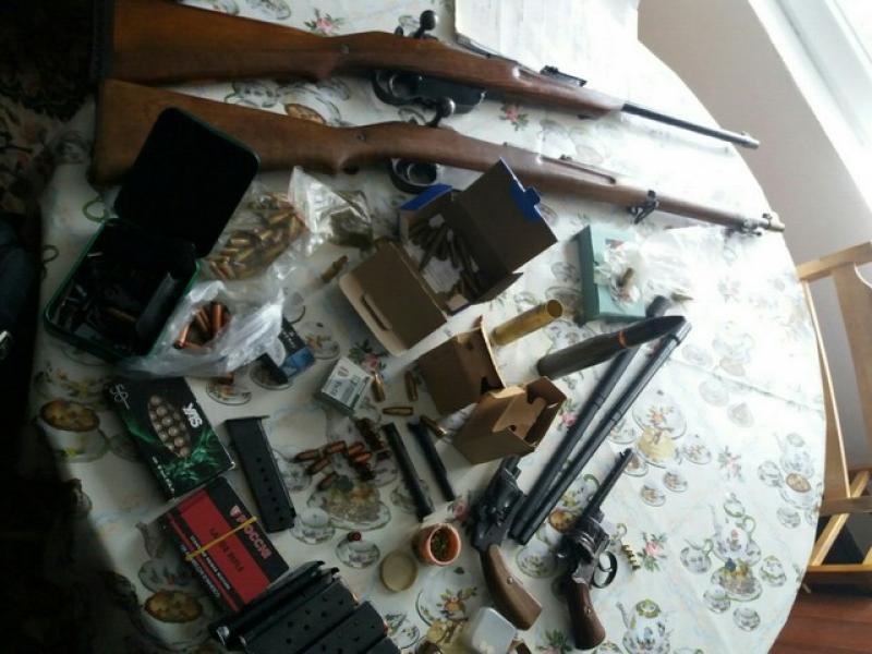 Задържаха рекордно количество оръжия край Стара Загора