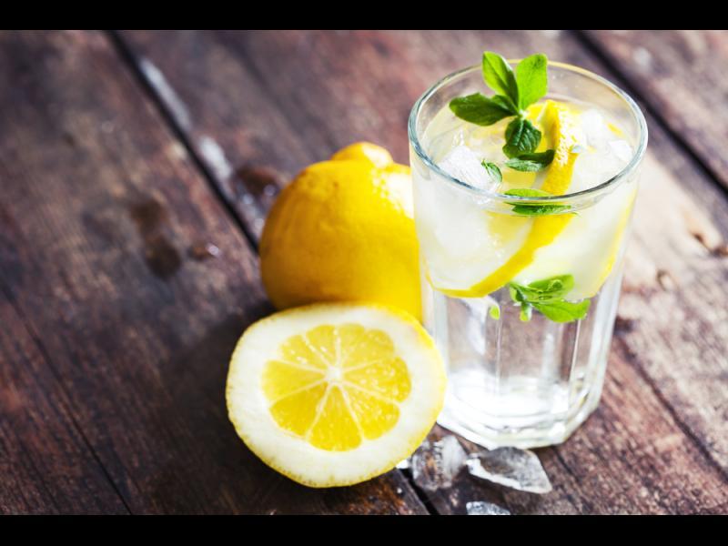 10 ползи от лимоновата вода, за които не сте чували