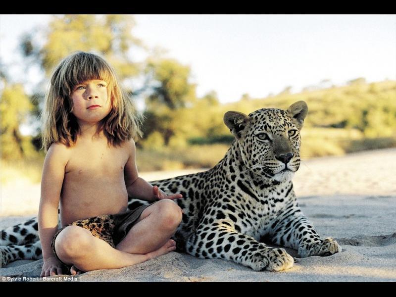 Типи - момичето, което отрасна сред слонове и леопарди